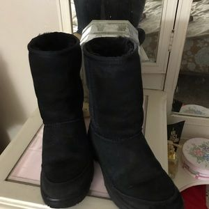 Uggs Ultimate all weather uggs size 6